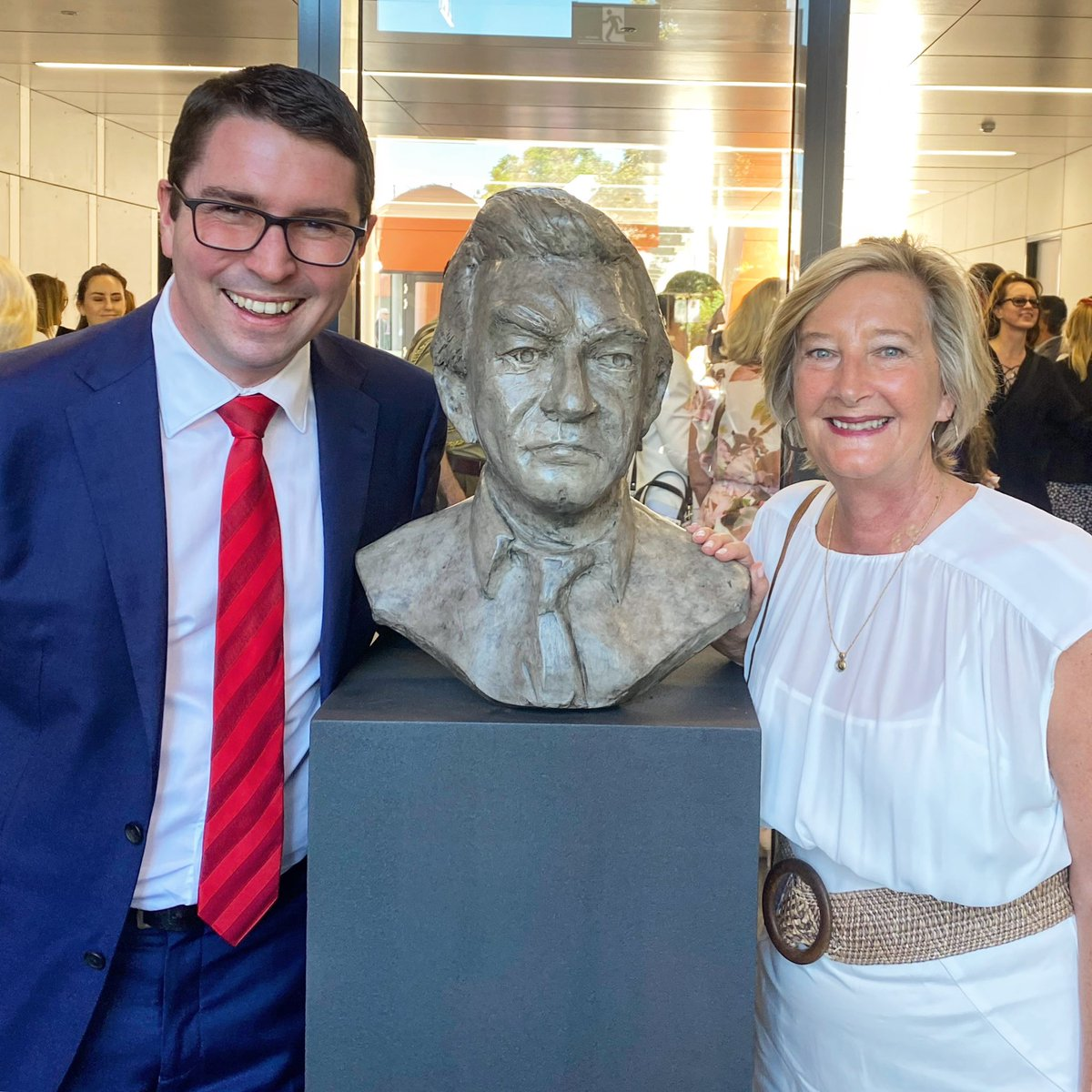 Patrick Gorman MP (Federal Member for Perth) with Jill Saunders and the bust of Bob Hawke by Jon Tarry.